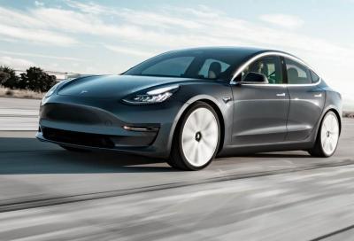 Tesla Model 3: un kit ne sblocca l'Acceleration Boost e il Drift Mode