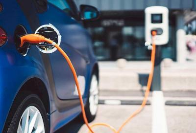 Elettriche e ibride plug-in: quali sono gli incentivi?
