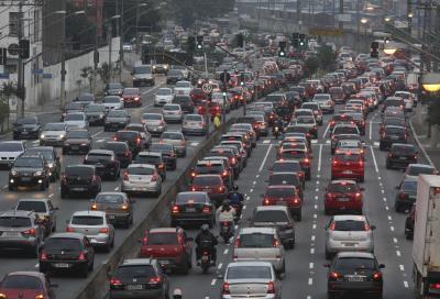 Torino mette di nuovo al bando le auto diesel