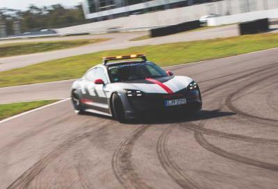 La sicurezza a Le Mans è in mano a una Porsche Taycan Turbo
