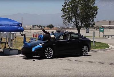 Tesla Model 3: la frenata automatica d'emergenza non è il suo forte