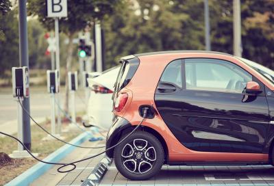 La California mette alla gogna i veicoli con motori endotermici