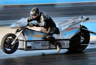 Silver Lightning: la moto elettrica capace di uno 0-100 km/h in soli 0,9 secondi