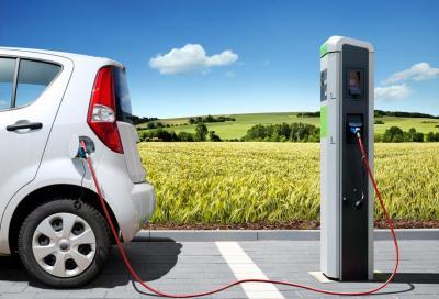 Auto elettriche: niente taglio dalle tariffe di ricarica