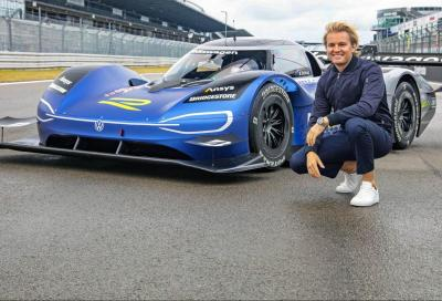 Nico Rosberg alle prese con la VW ID.R