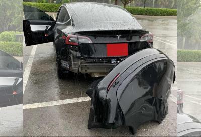 Tesla Model 3: il paraurti posteriore può staccarsi da solo