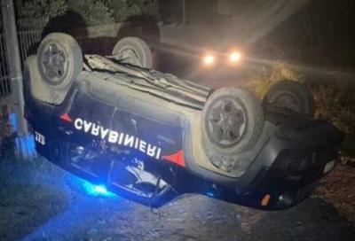 Sardegna: con la ruspa ribalta l'auto dei carabinieri