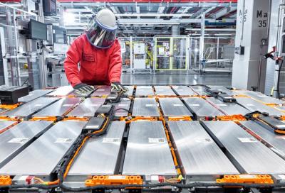Auto elettriche: come recupero i metalli delle batterie?