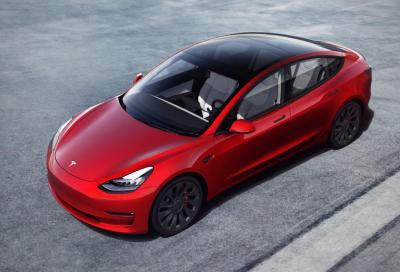 Tesla Model 3: nuova batteria per la Long Range