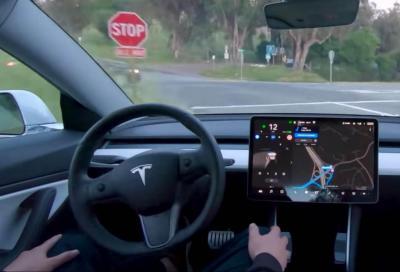 Tesla Full Self Driving: la versione beta già in circolazione