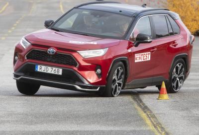Toyota RAV4 Phev: il Test dell'Alce le è indigesto