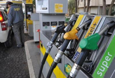 Piemonte: addio imposta regionale sulla benzina