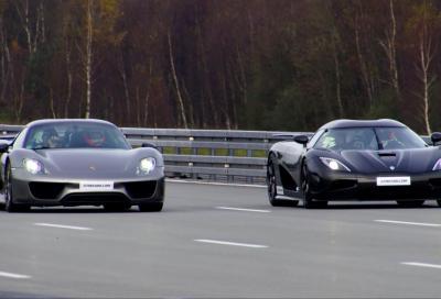 Koenigsegg Agera R e Porsche 918 Spyder a tavoletta in autostrada