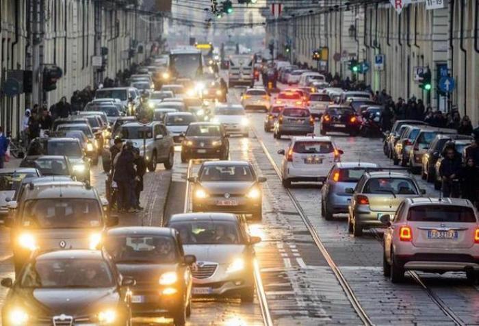 Emissioni, la Lombardia revoca i blocchi