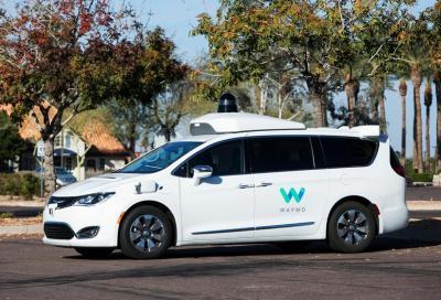 Tesla potrebbe non realizzare mai un'auto a guida autonoma