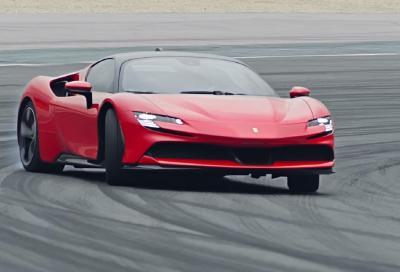 SF90 Stradale: Chris Harris la critica e Ferrari risponde