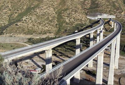 Autostrada A20: sono 22 i cavalcavia a rischio crollo