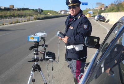 Sfrecciava a 242 km/h sull'autostrada A5: questa volta non è un errore
