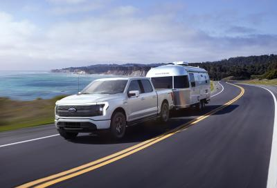 Nuovo 2022 Ford F-150 Lightning, il pickup truck in USA diventa elettrico