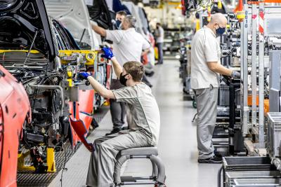 BENTLEY Celebra i 75 anni di produzione dello stabilimento di Crewe