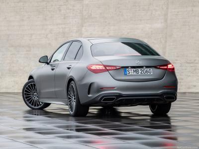 "Nuova Mercedes Classe C - La ""Baby Benz"" diventa adulta"