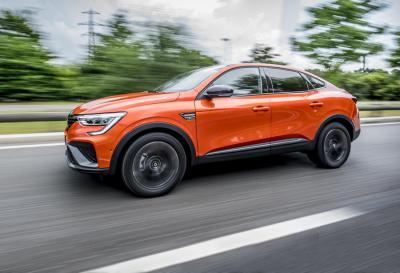 Nuovo Renault Arkana ibrido E-TECH 145
