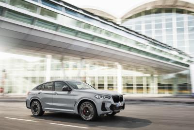 Nuove BMW X3 ed X4, look aggiornato e gamma semplificata