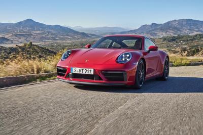 PORSCHE presenta le versioni sportive GTS per la gamma 911 [992]