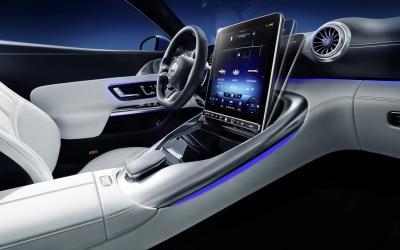 Nuova Mercedes-AMG SL, un primo video degli interni