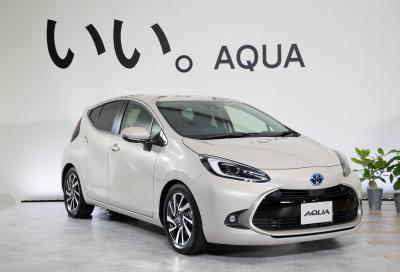 Toyota svela la seconda generazione AQUA / PRIUS C in Giappone