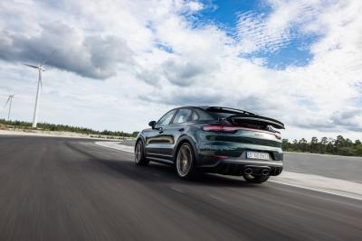Nuova Porsche Cayenne Turbo GT, la provocazione