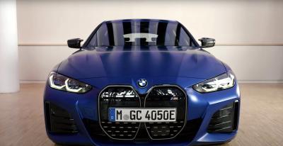 Nuova BMW i4, piacere Maiuscolo