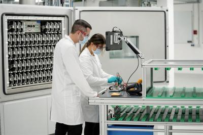 Nuovi laboratori per le batterie: VW compie un ulteriore passo per lo  sviluppo e la produzione propria di celle