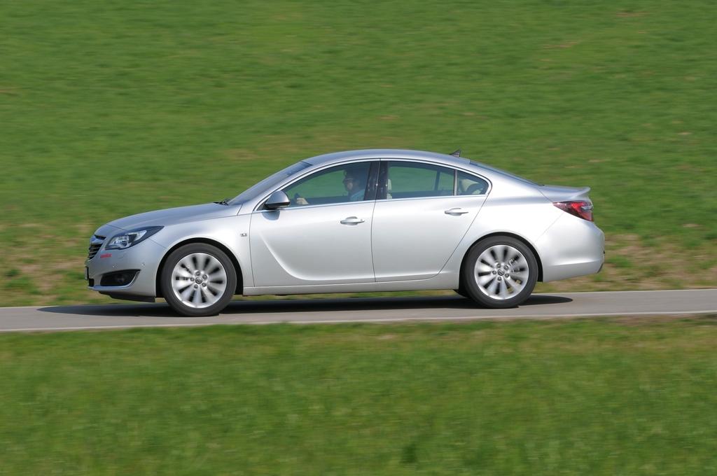 Schemi Elettrici Opel Insignia : Opel insignia cdti cv la nostra prova automobilismo