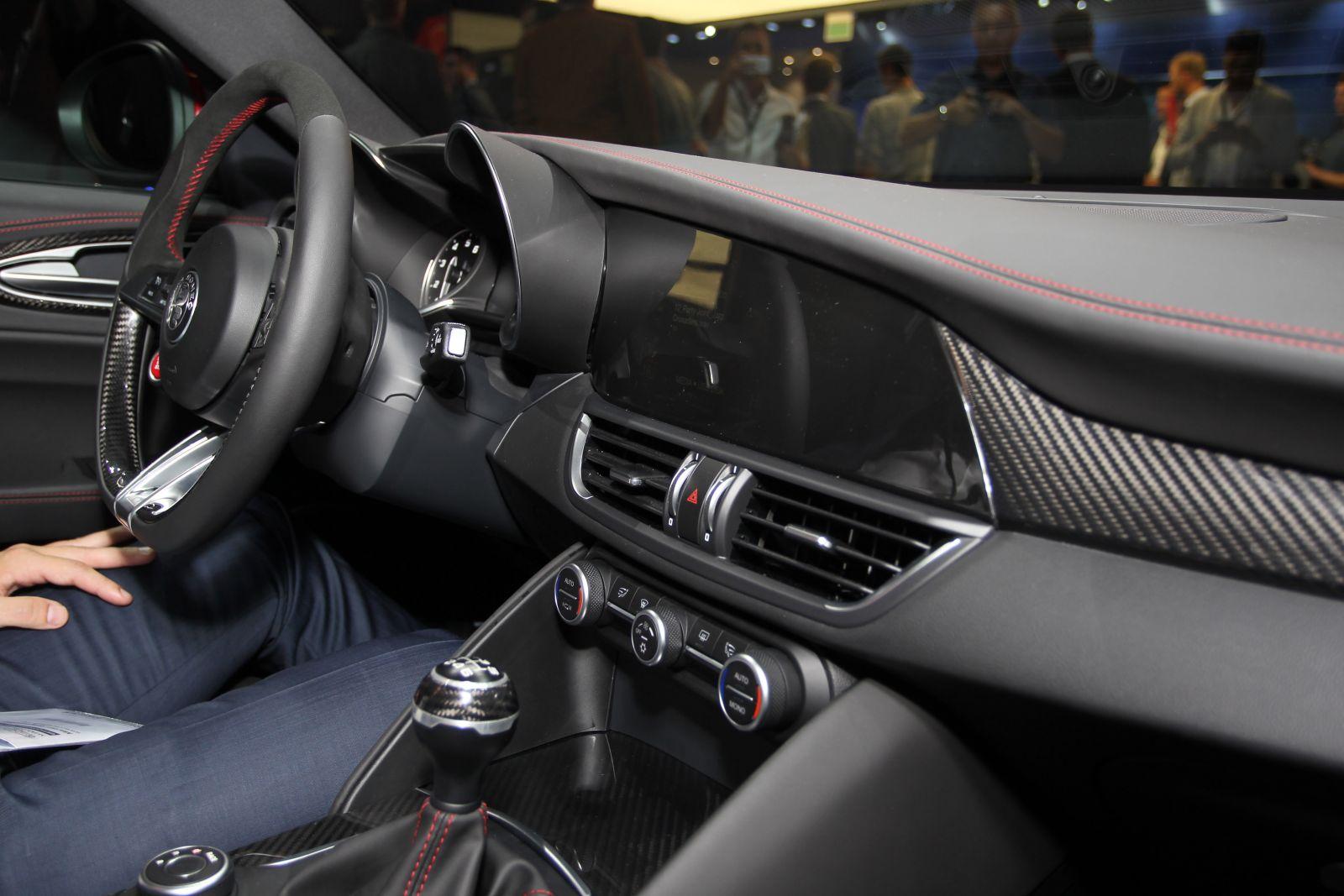 Alfa Romeo Alfa Romeo Giulia Nuova Giulia Nuova Giulia